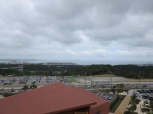 この日は天気よくなかったけど海も見える